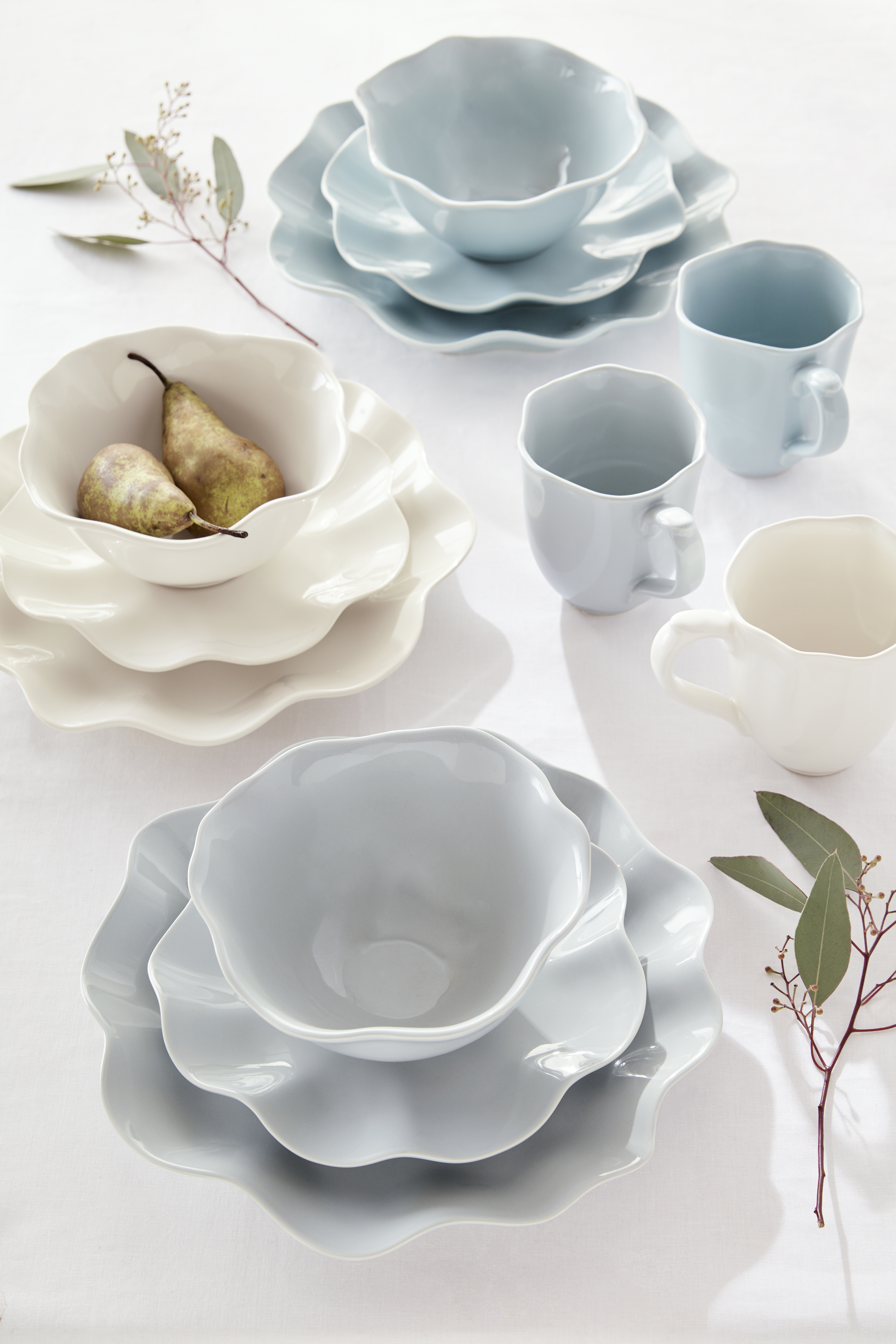 Sophie Conran Floret 4 Piece Place Setting- Dove Grey image number 2
